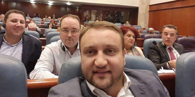 Кирацовски: Апасиев е молотовиот коктел што 40 илјади граѓани го фрлија врз Парламентот, за да не опаметат!
