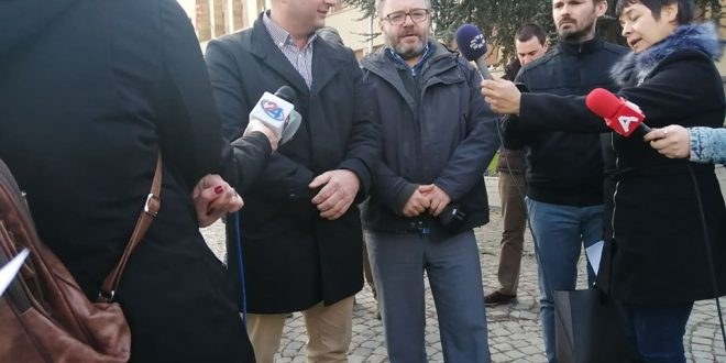 Дуковски: Канабисот ќе го истуриме пред седиштето на ВМРО-ДПМНЕ или пред Влада, во случај ако не се донесе законот