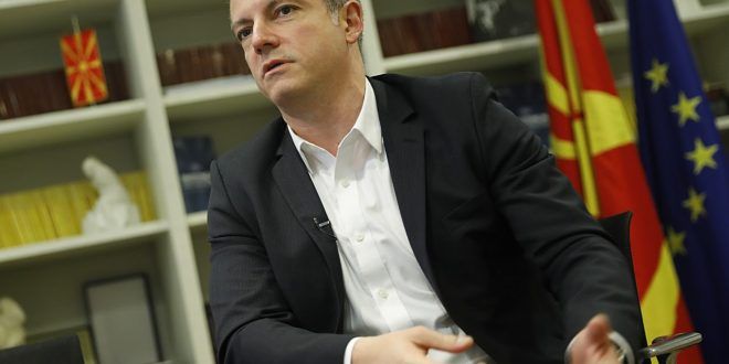 Манчевски: Пластичните картички ќе бидат минато одиме на интеграција на документи