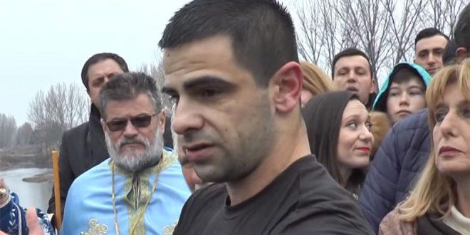 Балевски: Со закани сакаа да ми го земат крстот, но бев упорен и не го дадов (ВИДЕО)