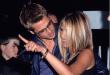 Не сакаше да ја пушти од раце: Бред заљубено гледа во Џенифер