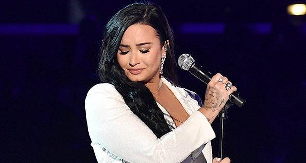 Пејачката објави фотографија без шминка и ги воодушеви фановите