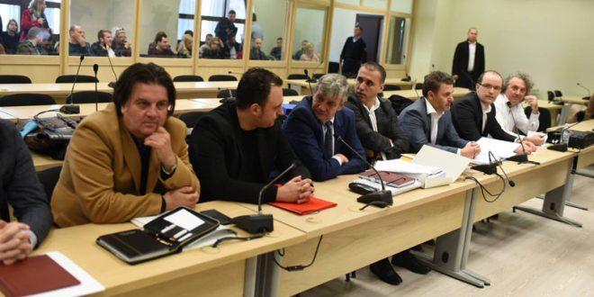 Одбраната во обид да го блокира судењето за организаторите на 27 април со 1.200 сведоци