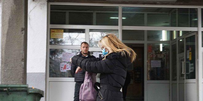 """Првото лице позитивно на Ковид-19 во Гевгелија: """"Јас сум исплашена, не судете вирусот е невидлив и е насекаде"""""""