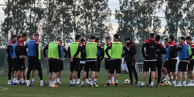 Коронавирус во мак-фудбалот: Позитивни случаи во Шкендија и Ренова