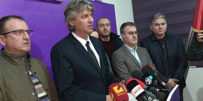 АА: Ахмети зборува за албански премиер, а бега од гласањето за албански претседател на Собранието!