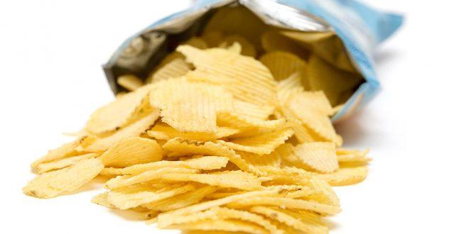 """Сепак, не купувате воздух: Зошто кесичките чипс се """"полупразни""""?"""