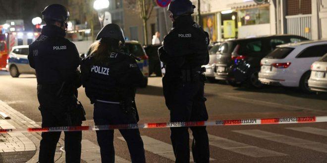 Расте бројот на жртви во масакрот кај Франкфурт: Напаѓачот пронајден мртов, покрај него имало уште едно тело