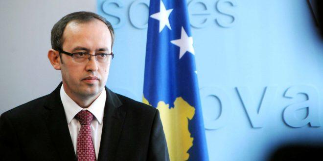 Косовскиот вицепремиер Хоти нападнат со јајца (видео)