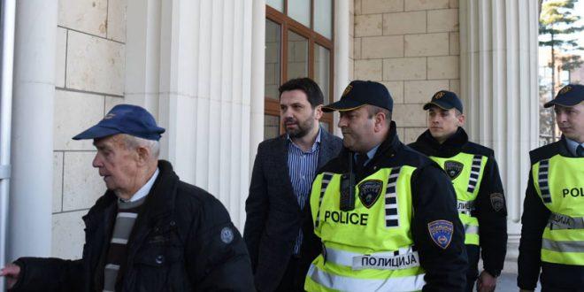 """Одбраната на Јанакиески бара ослободителна пресуда за """"Насилство во Центар"""""""