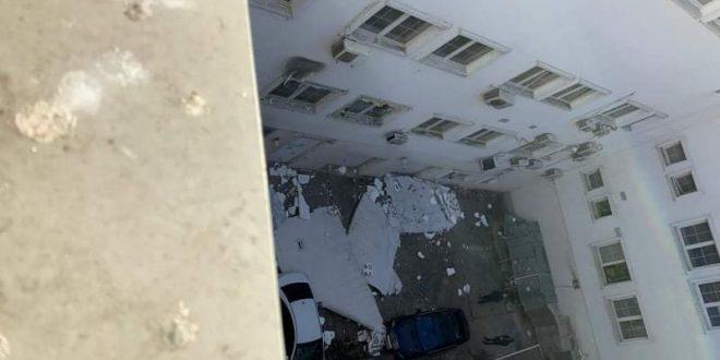 """Падна фасадата на """"МЕПСО"""", Скопје 2014 не го издража  на ветрот (фото)"""