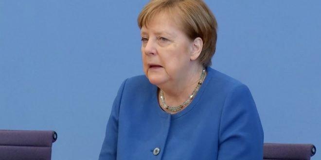 Меркел ги отфрли гласините дека ќе бара петти мандат