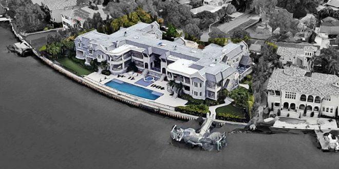 Брејди изнајми вила од 14 милиони долари (ВИДЕО)