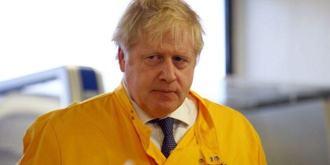 """Клучниот советник на премиерот Џонсон за коронавирусот: Потребно е итно да се вратиме на стратегијата на """"групен имунитет"""""""