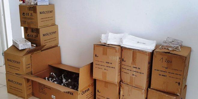 ФИТР достави заштитни скафандери, заштитни очила и ракавици за Детската клиника