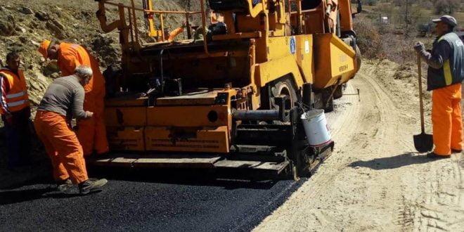 По 40 години, започна асфалтирање на регионалниот пат Крива Паланка – с. Огут