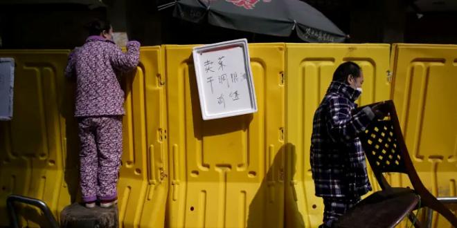 По повеќенеделна изолација, жителите на Вухан излегоа да купат свежи намирници