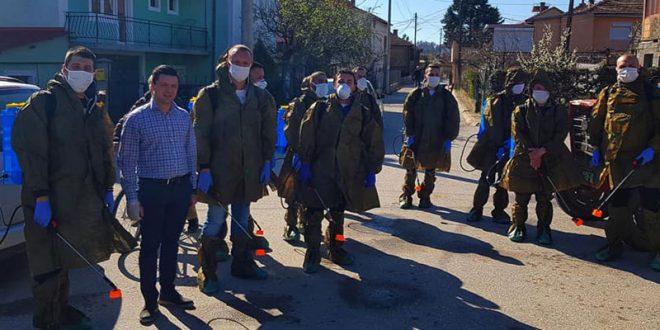 СДСМ и ВМРО-ДПМНЕ во заедничка акција за дезинфекција на улиците и јавните површини во Свети Николе