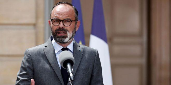 Франција крева голем број ограничувања и врши притисок за отворање на границите на ЕУ