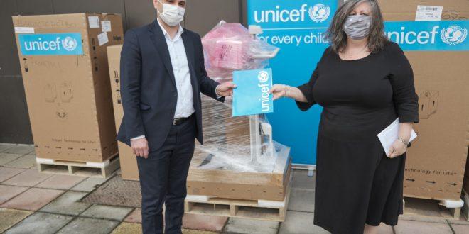Филипче: Јавното здравство го зајакнуваме со нови респиратори во соработка со УНИЦЕФ