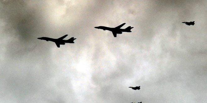 """ФОТО: Воени авиони го надлетаа Скопје и посакаа """"Добредојде за Северна Македонија во НАТО"""""""
