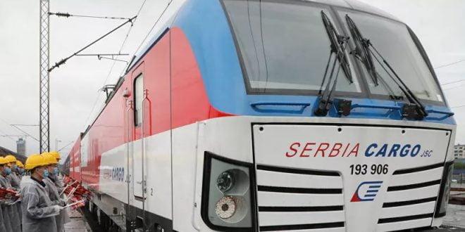 Возот од Вухан пристигна во Србија: 300 тони медицинска опрема (фото)