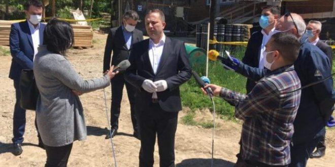 Границите ќе бидат отворени во координација со соседите, најави Спасовски