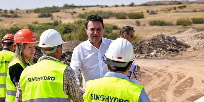 Сугарески: Три години како ги имаме најголемите инвестиции во изградба на патишта, канализации, водоводи, гасоводна мрежа