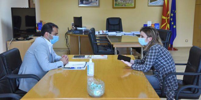 Бочварски: Сите текстилни работнички кои се тестирани задолжително треба да останат дома во наредните денови