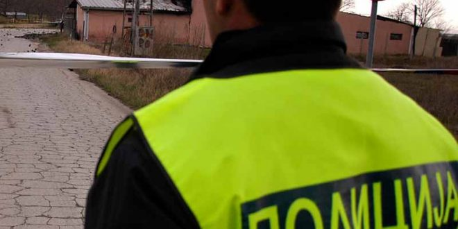"""Приведено лице во """"Ѓорче Петров"""" за навреда на полицајци"""