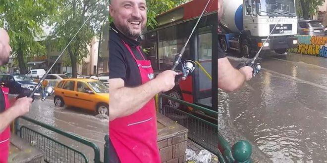 Дождот ги поплави улиците во Чаир, граѓаните извадија трски за риболов (ВИДЕО)