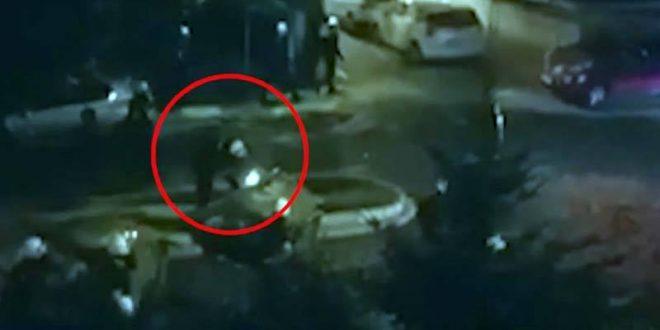 За време на протестите во Белград: Полицаец пали контејнер (ВИДЕО)