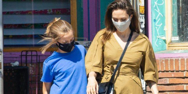 Анџелина Џоли на шопинг со нејзината ќерка, двете имаа ист детал на себе