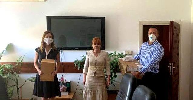 Амбасадата на САД донираше лаптопи за истражниот центар на ОЈО