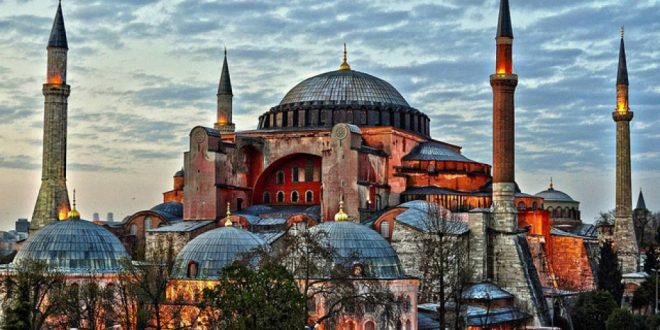 Турскиот муезин почина во Аја Софија