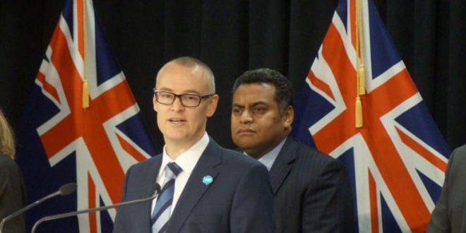 """""""ЈАС СУМ ИДИОТ"""": Министерот за здравство на Нов Зеланд поднесе оставка по серија грешки за време на пандемијата (ВИДЕО)"""
