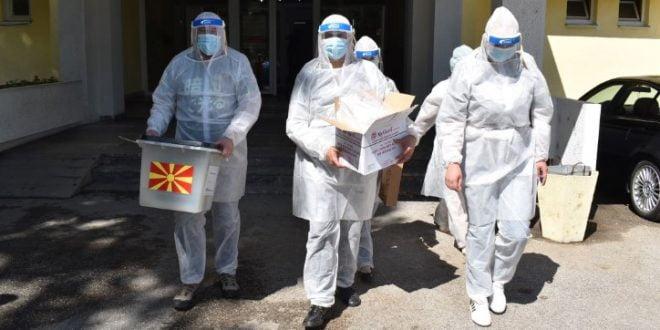 Филипче: Гласањето на болните од Ковид-19 досега се одвива без проблеми