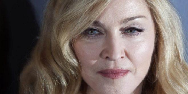 Мадона во топлес повторно шокира, реакциите не стивнуваат