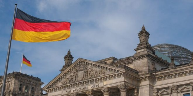 Германците ги ограничуваат визите за работниците од Балкан: Единствена шанса ви е ако го работите ова