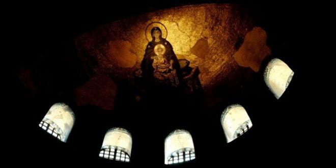 Дијанет: Фреските во Аја Софија не се пречка за молитвите