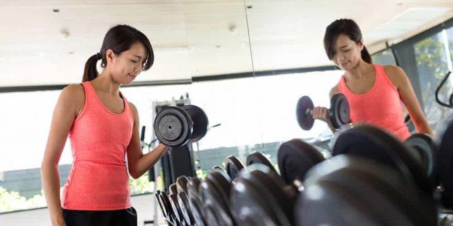 Јапонски експерт за слабеење: Вежба која ги отстранува маснотиите и лечи болка! (ВИДЕО)