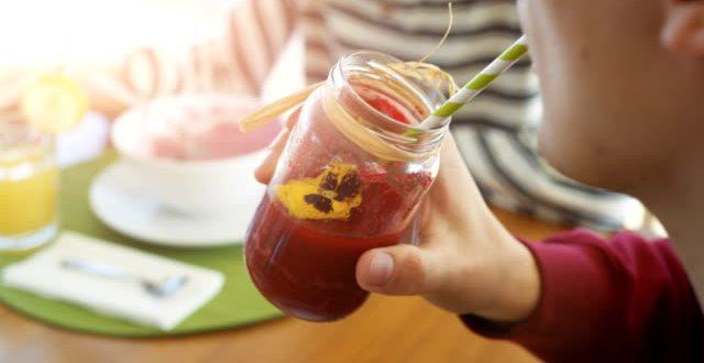 СОВРШЕН ЛЕТЕН ДЕТОКС: Направете пијалок од морков и ананас (РЕЦЕПТ)