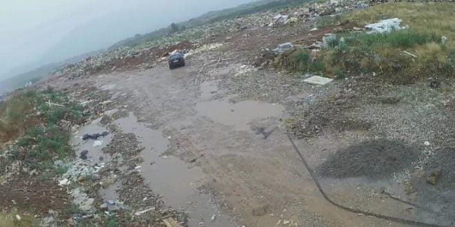 Маж фатен на дело како краде вреќи цемент од градската депонија во Дебар