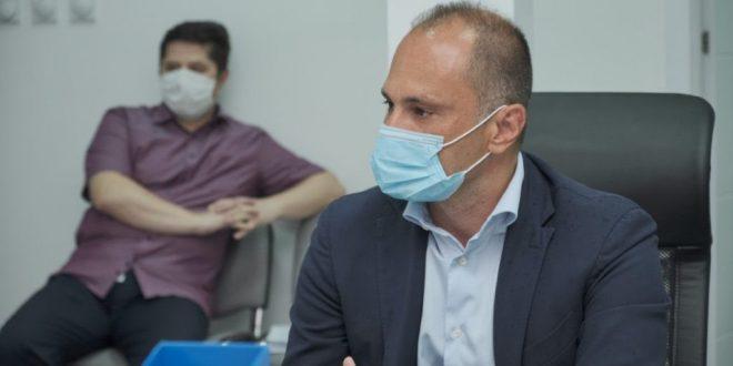 Филипче: Потешко се дише на респиратор, носи маска
