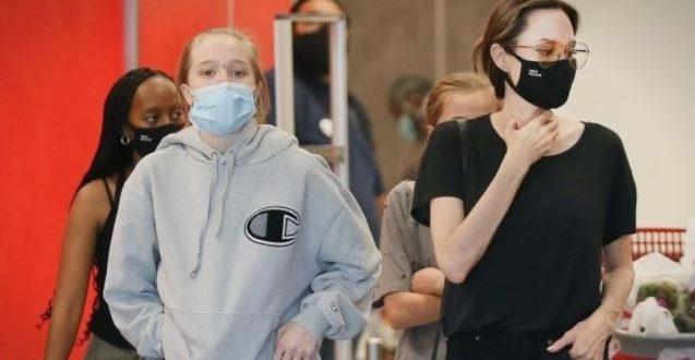 Ќерката на Анџелина и Бред сепак не е сигурна дека сака да биде момче: По долго време облекла здолниште (фото)