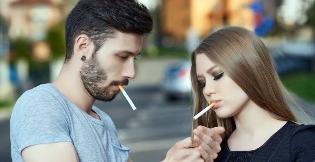 Една кутија цигари отсега исклучиво со 20 цигари за да се дестимулира пушењето кај младата популација