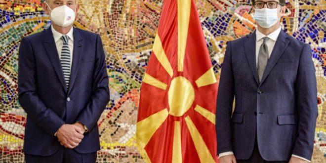 Гер на местото на Жбогар, новиот амбасадор на ЕУ во Македонија ги предаде акредитивните писма