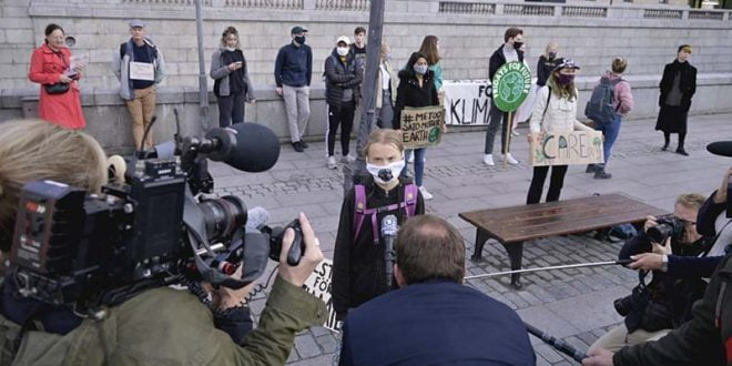 Грета Тунберг се врати на протести по паузата поради коронавирусот